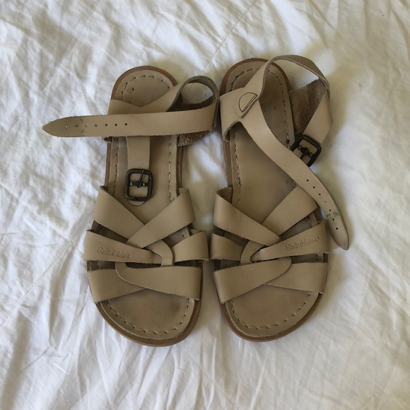 294e75aa34f1 Tan Authentic Saltwater sandals. Size 7-8. M 5b5cf987c2e88e7624bc248e